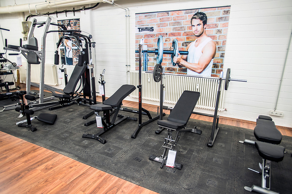 sport tiedje in n rnberg europas nr 1 f r fitnessger te. Black Bedroom Furniture Sets. Home Design Ideas